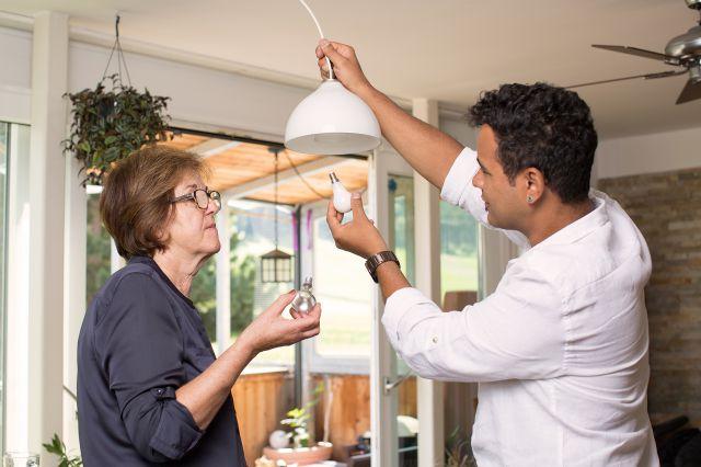 Die ehrenamtlichen Energie- und Klimacoaches geben Tipps für energie- und kostensparendes Wohnen.