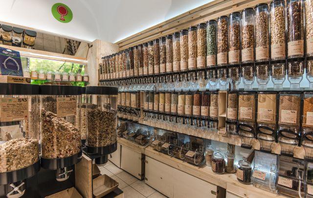 greenroot Geschäftslokal mit unverpackten Lebensmitteln